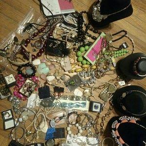 Jewelry - Jewerly & Displays
